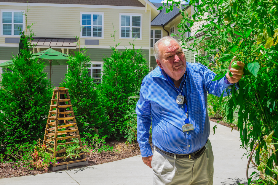 Brickmont Assisted Living 4 Safety Tips for Seniors to Enjoy Summer and Sun