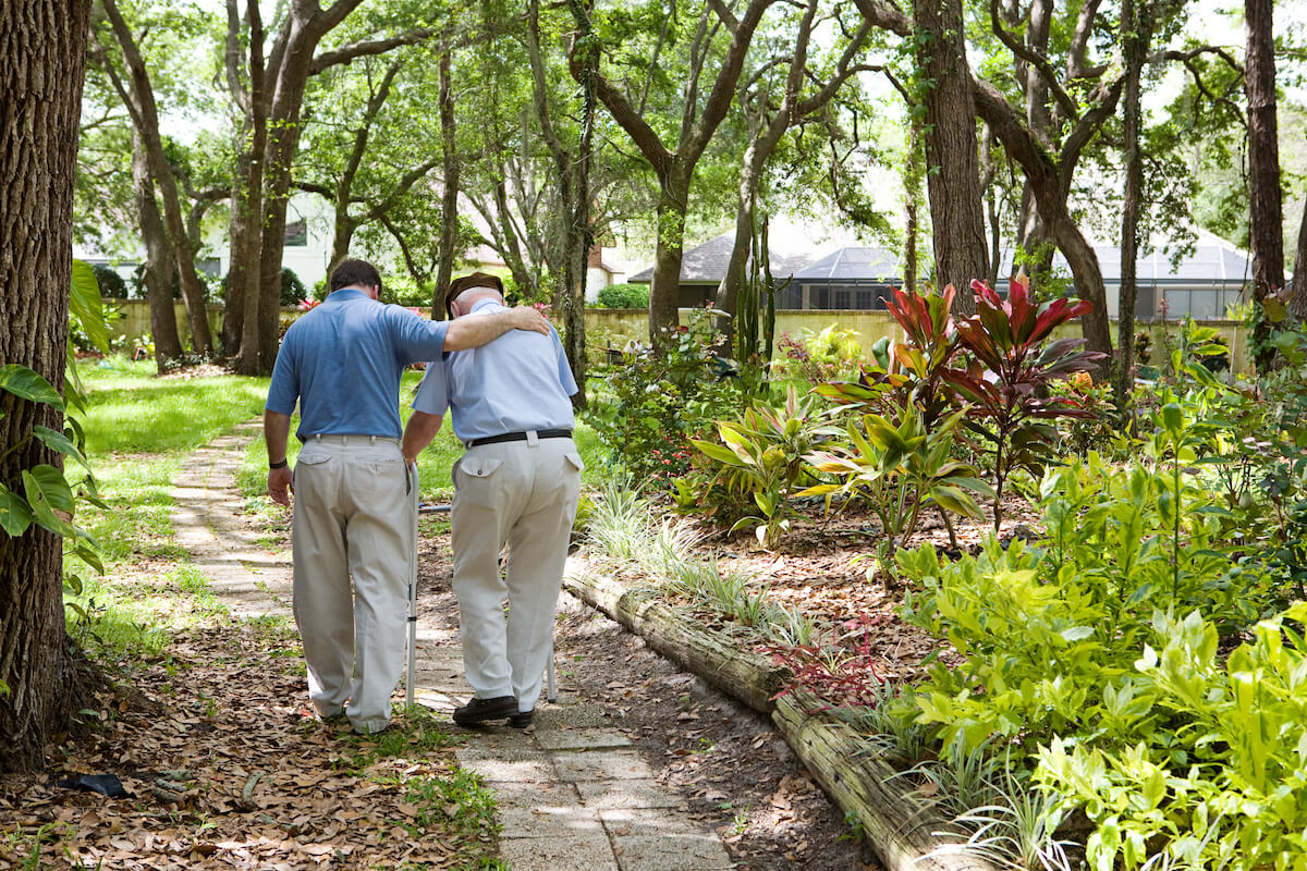 Seniors on a walk_Preparing for outings with elderly family