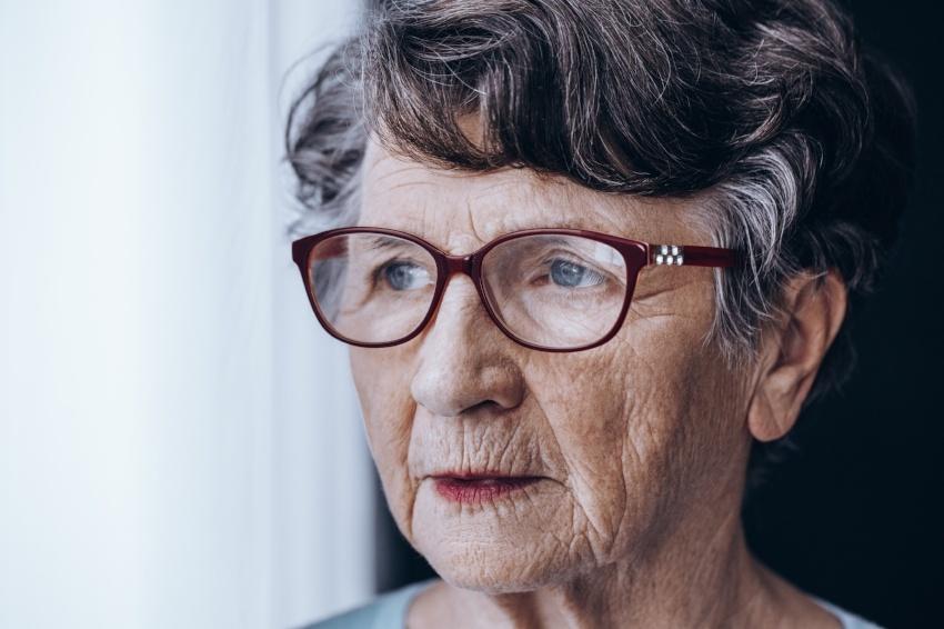sad-older-lady-PRFB8XN-800138-edited.jpg
